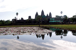 18-12-09 - Angkor Wat Temple, mirrored in a pond