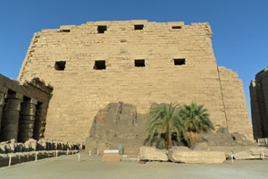 15-02-13 - Outside walls of Karnak Temple
