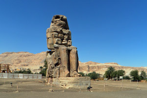 20-02-13 - Colossus of Memnon in Theses