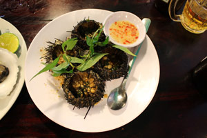 07-03-15 - Nightmarket with fresh fish and seefood: delicious sea urchin