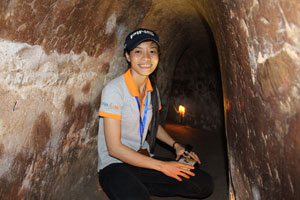 14-03-15 - Our guide Hanh in the tunnel