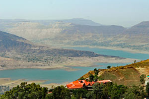 13-03-16 - Panchgani - Table Top Point, second-largest plateau in Asia