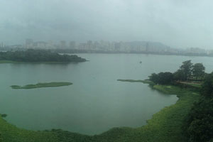 20-07-17 - View to Lake Powai from Renaissance during monsoon